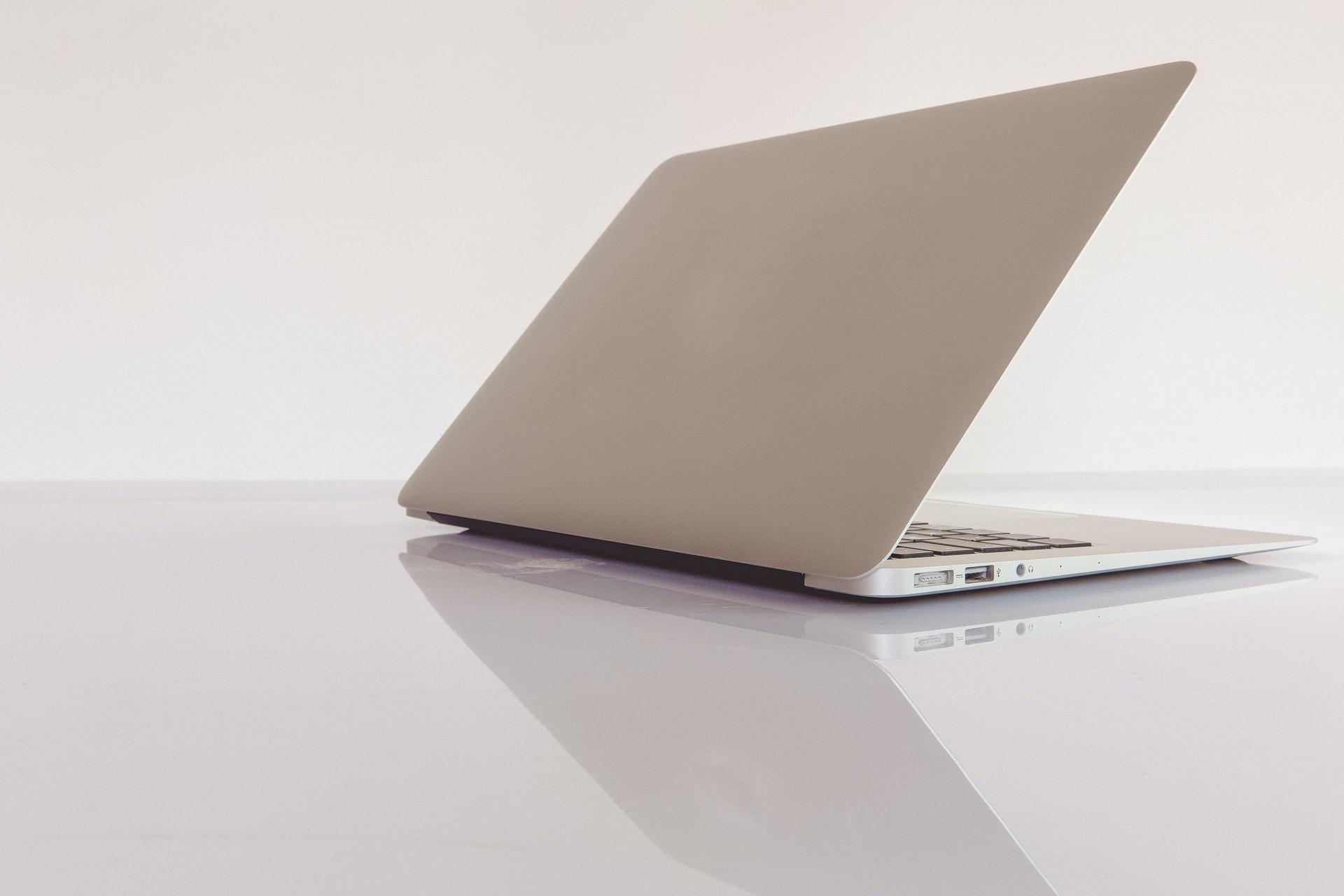 Tips Menjual Laptop Bekas Kantor